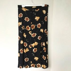 Innovare Skirt Size 18W Black with Large Flowers Button Front Maxi